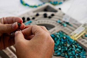 women-at-risk-us-training-center-jewelry-making